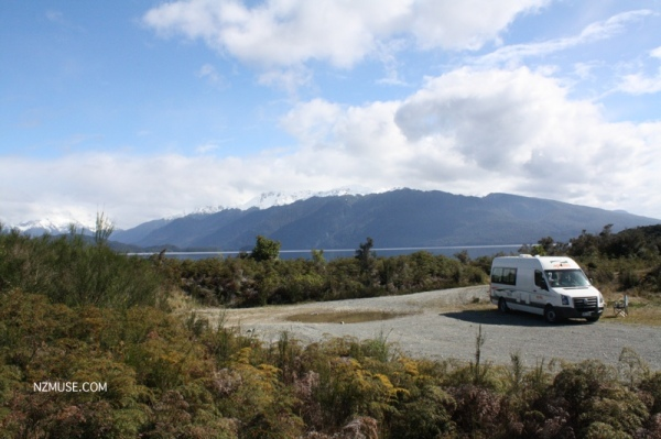 LAKE TE ANAU CAMPERVAN south island road trip campervan